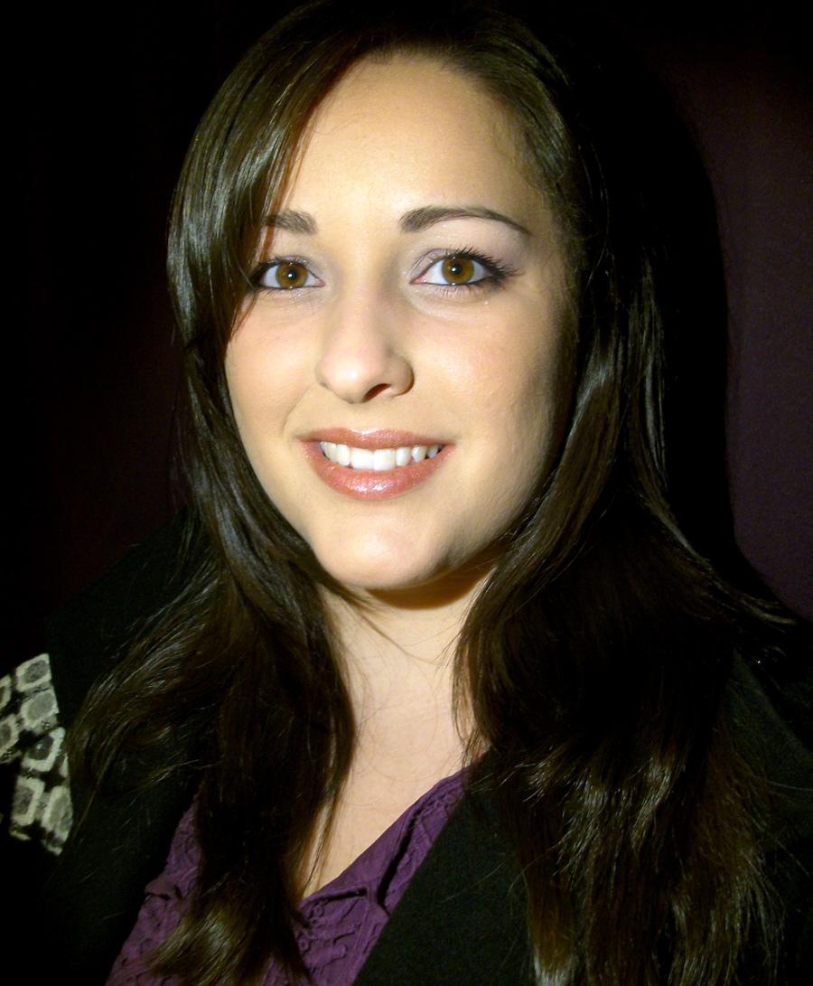 Rebeca Farré, Redactora, Higienista Bucodental, Protésico Dental y amante de tu sonrisa
